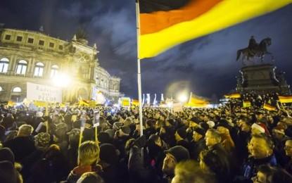 Allemagne : Manifestations pour et contre l'islamisation