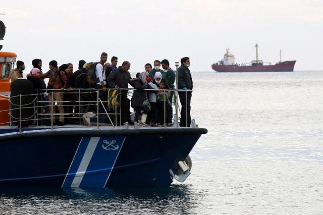 Italie : Des migrants secourus dans le détroit de Sicile