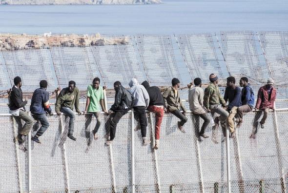 Espagne : Les reconduites des migrants à la frontière approuvées par le Parlement