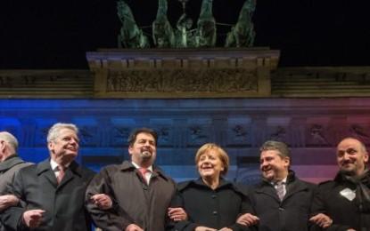 Allemagne : Angela Merkel en tête d'une importante manifestation contre l'islamophobie