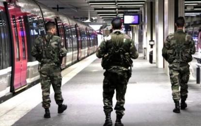 France : Solidarité internationale avec les victimes de l'attentat contre Charlie Hebdo
