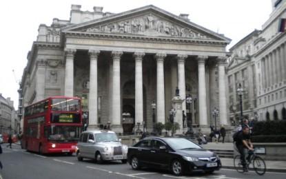 Grande-Bretagne : l'austérité a-t-elle réellement permis la reprise économique ?