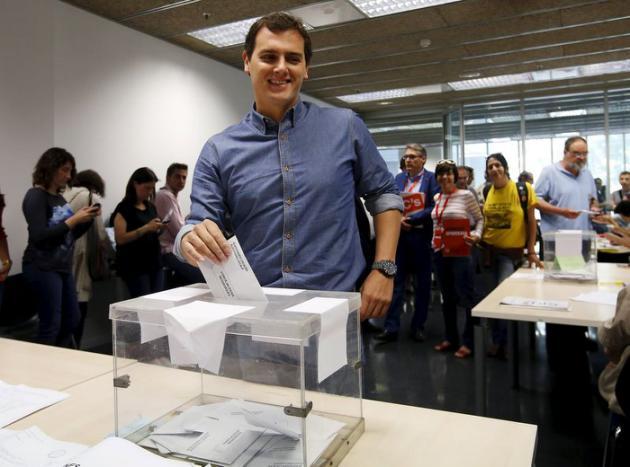 Espagne : les élections municipales et régionales marquent la fin du bipartisme