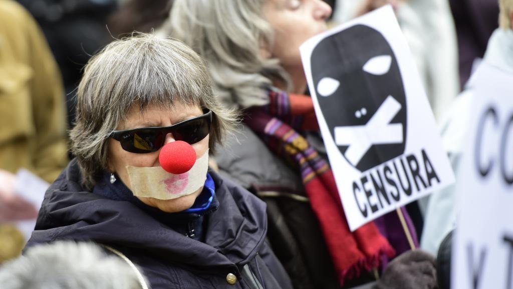 Espagne : la population inquiète d'être réduite au silence