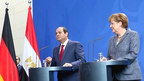 Allemagne : la chancelière reçoit le président égyptien
