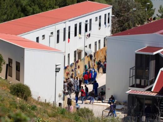 un_centre_de_migrantsalampedusaleurportedentreeeneuropearchive