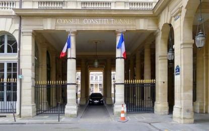 France : la loi controversée sur le renseignement partiellement validée par le Conseil des Sages