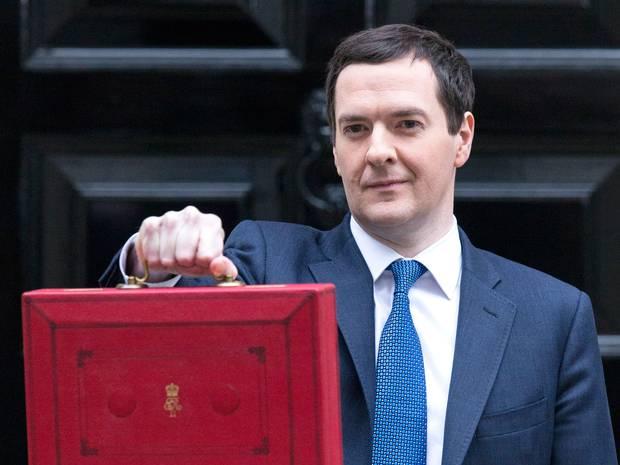 Royaume-Uni : le budget marqué par des coupes dans les allocations sociales