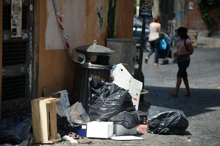 Italie : la mairie de Rome de plus en plus critiquée
