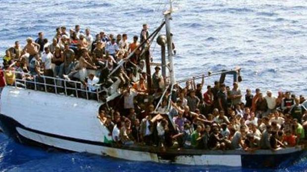 Migration : au moins 700 migrants secourus ce week-end en Méditerranée centrale