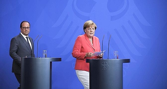 Allemagne : la chancelière condamne les violences à l'égard des réfugiés