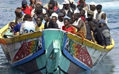 Libye : 104 migrants dans une embarcation en détresse secourus au large de Tripoli