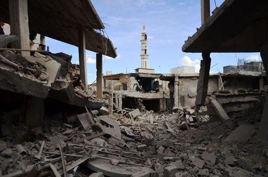 Les frappes russes en Syrie menacent de compliquer davantage le conflit