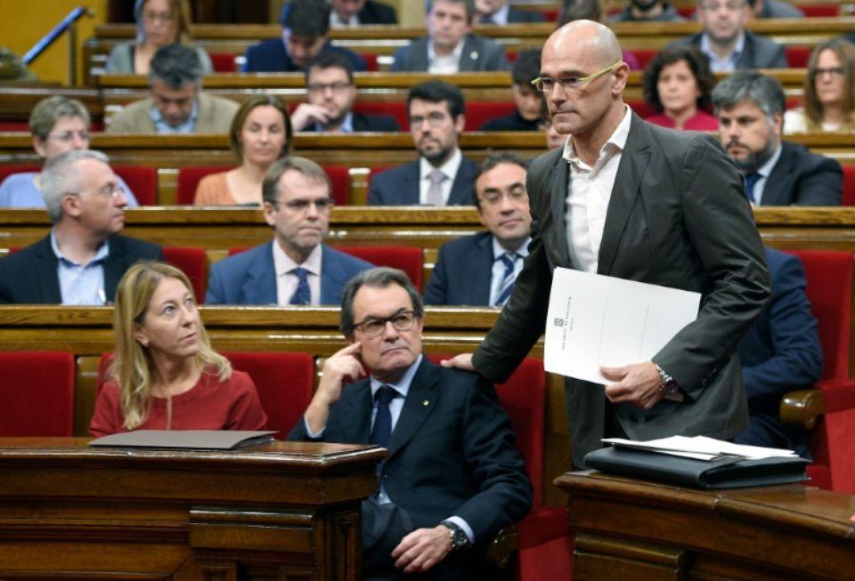 Espagne : le Parlement catalan entame le processus d'indépendance de la région