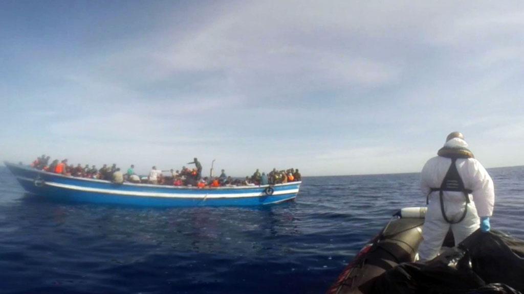 Italie: Près de 800 migrants secourus en Méditerranée
