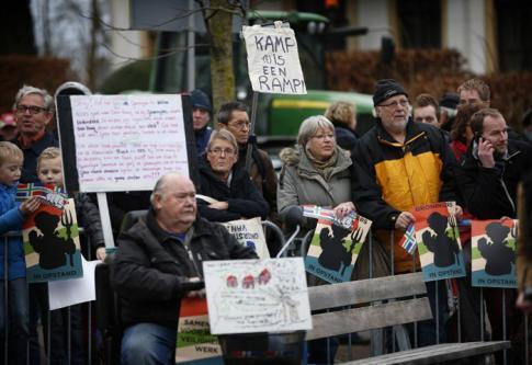 Pays-Bas : violentes protestations contre l'installation d'un centre d'accueil pour demandeurs d'asile