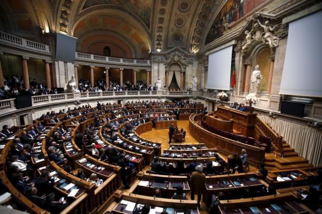 Bruxelles menace de recaler le projet de budget 2016 du Portugal