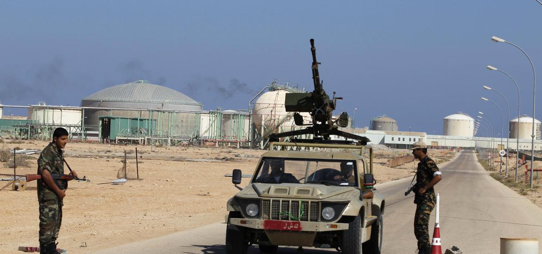 Libye : Evacuation d'employés de champs pétroliers en prévision d'attaques de l'EI
