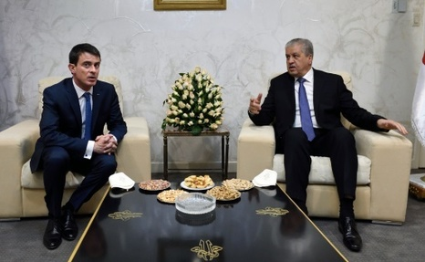 L'Algérie et la France signent plusieurs accords à l'occasion de la visite  de Valls à Alger