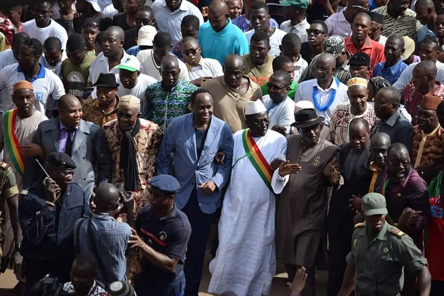 Mali : manifestations pacifiques contre et pour le pouvoir en place