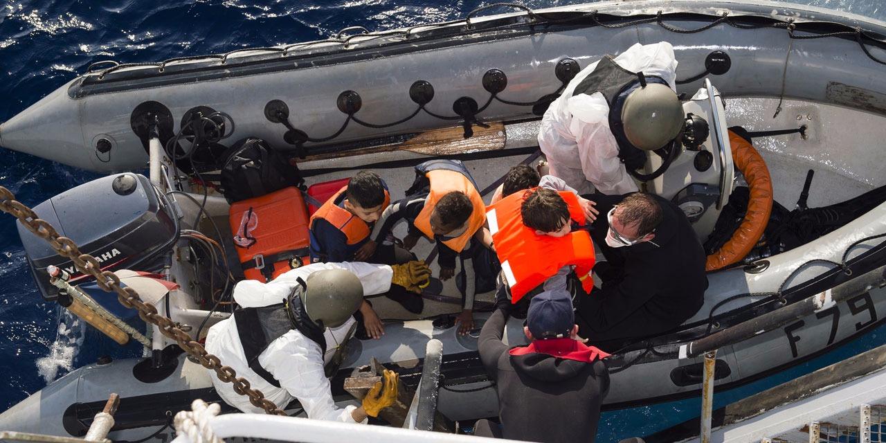 Les cadavres de 22 migrants découverts dans un canot en Méditerranée
