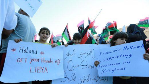 libyen-manif-contre-presence-francais