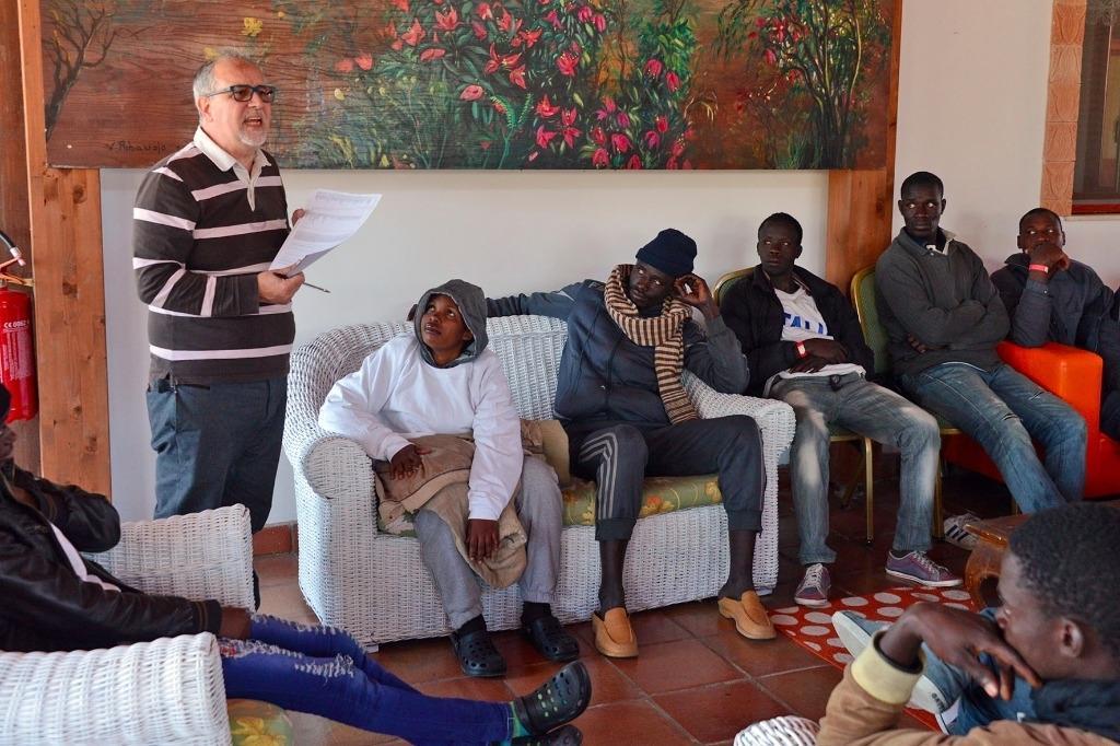 Les centres d'accueil de migrants en Italie affichent le trop plein