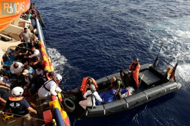 Les gardes-côtes italiens sauvent en une journée 2.700 migrants en Méditerranée