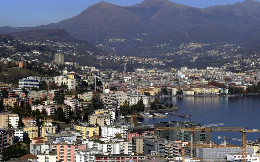 Italie: Diverses réactions au vote anti-frontaliers du Tessin en Suisse