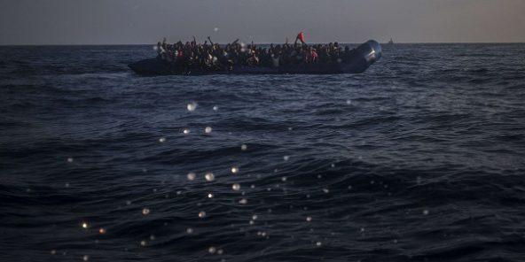 Une vingtaine de migrants retrouvés morts au large de la Libye