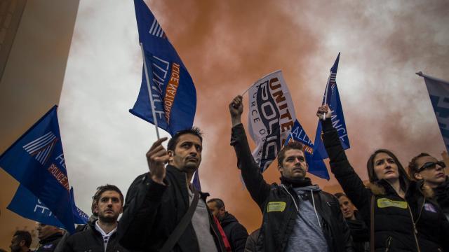 Le gouvernement français échoue à calmer la grogne des policiers