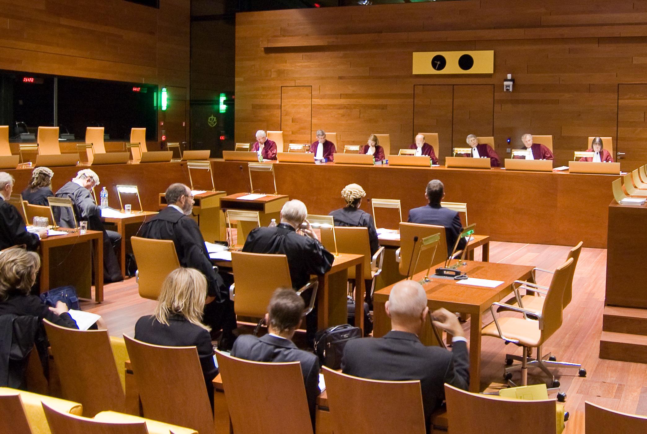 La CJUE impose aux banques espagnoles de rembourser les intérêts abusifs à leurs clients