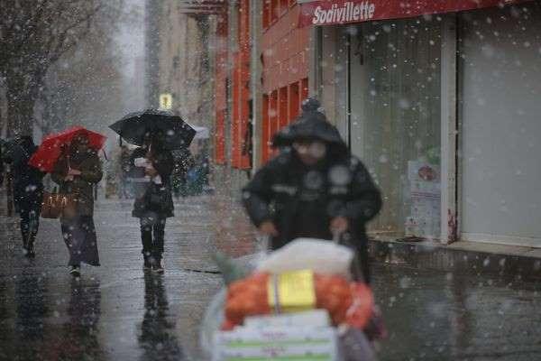 France : violente tempête hivernale dans la moitié nord du pays