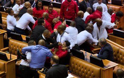 Le discours de Zuma sur l'état de la Nation émaillé d'une rixe au Parlement