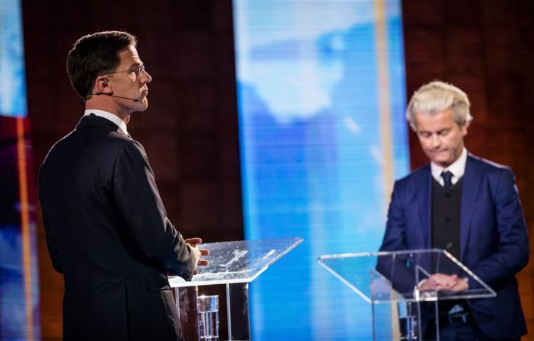 Pays-Bas : Rutte et Wilders s'affrontent dans un duel télévisé