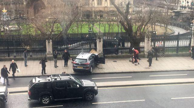 Londres ciblée par une attaque «terroriste» à proximité du Parlement
