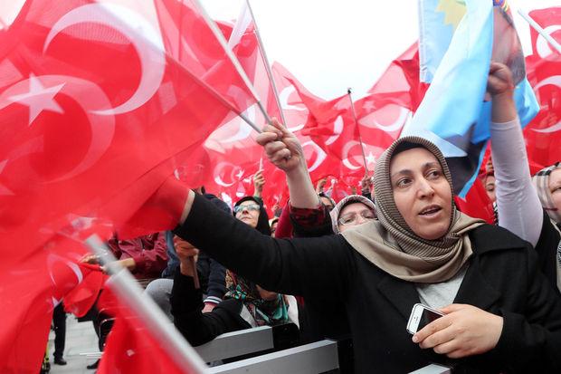 Remise en question de la double nationalité en Belgique  après le référendum en Turquie