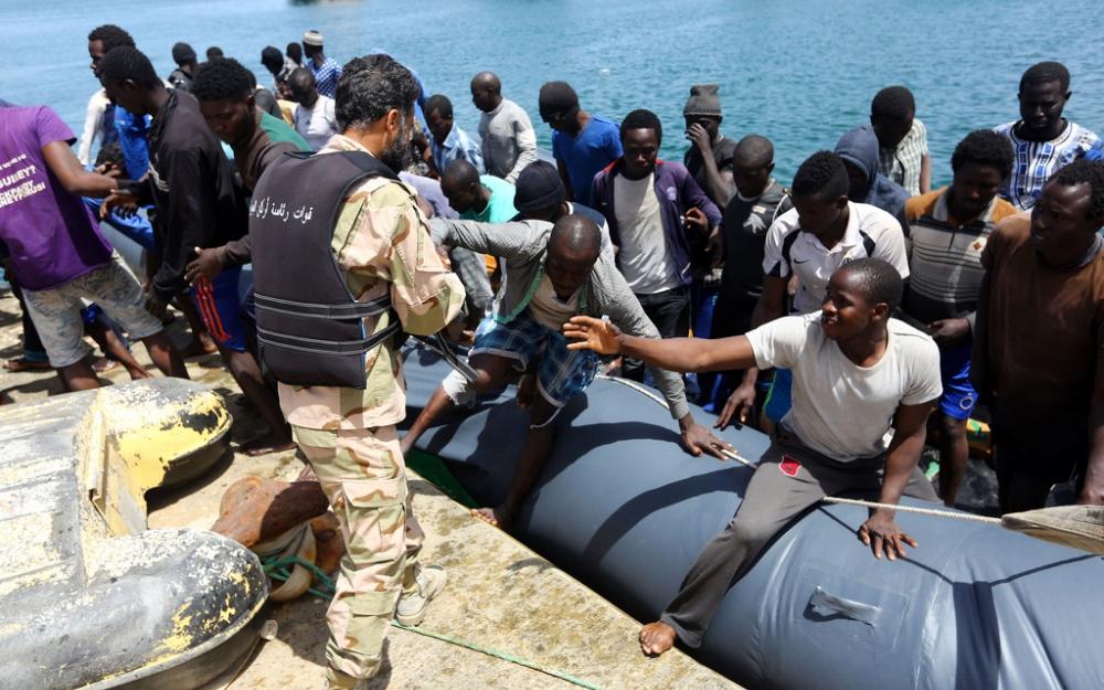 Plus de 200 migrants portés disparus au large de la Libye