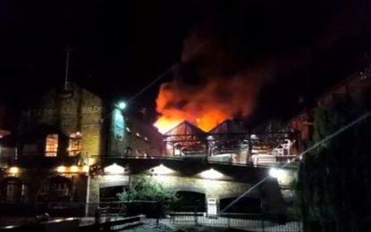 Incendie dans le marché londonien de Camden Lock