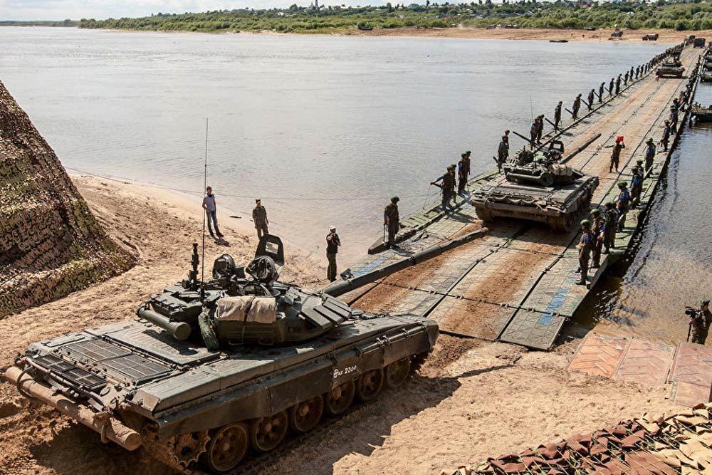 La Russie lance de grandes manœuvres militaires aux portes de l'Union européenne