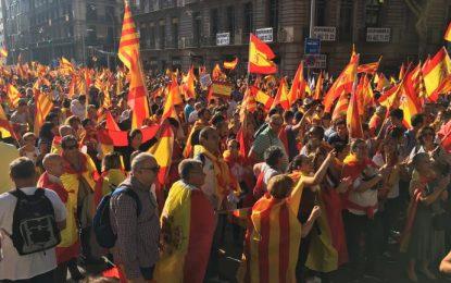 Manifestation des Espagnols anti-indépendantistes à Barcelone