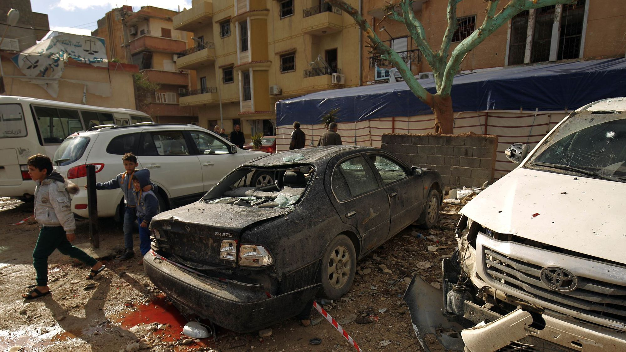 Libye : lourd bilan humain après un double attentat à Benghazi