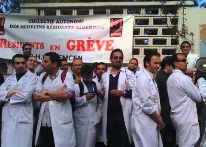 Les médecins grévistes en Algérie bravent l'interdiction de manifester