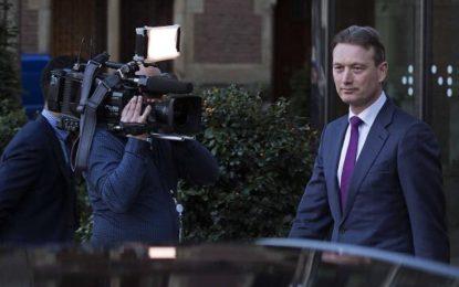 Le ministre néerlandais des Affaires étrangères démissionne suite à des mensonges sur Poutine