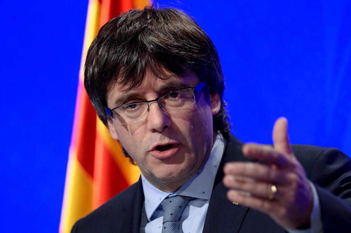 Espagne: Carles Puigdemont renonce à la présidence de la Catalogne