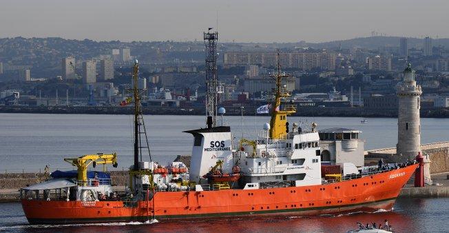 Après un mois d'escale, l'Aquarius reprend du service en Méditerranée