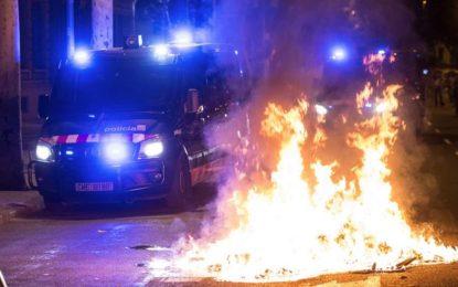 Espagne : L'anniversaire du référendum d'autodétermination en Catalogne marqué par des heurts