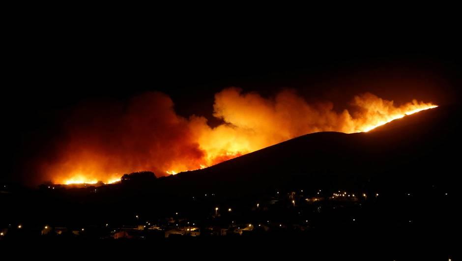 Incendie en Espagne : Un pompier tué et près d'un millier de personnes évacuées