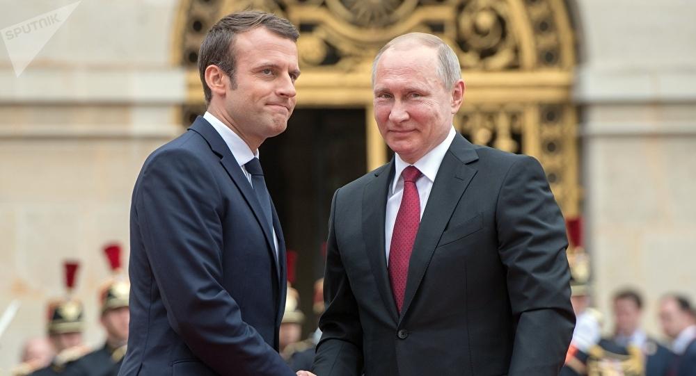 Emmanuel Macron souhaite la création d'une armée européenne pour faire face à la Russie