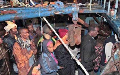 Libye : quinze migrants morts de faim en mer